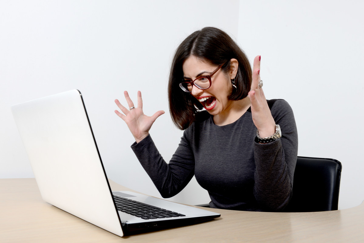 stressed-woman-at-computer-e1442436508209.jpg